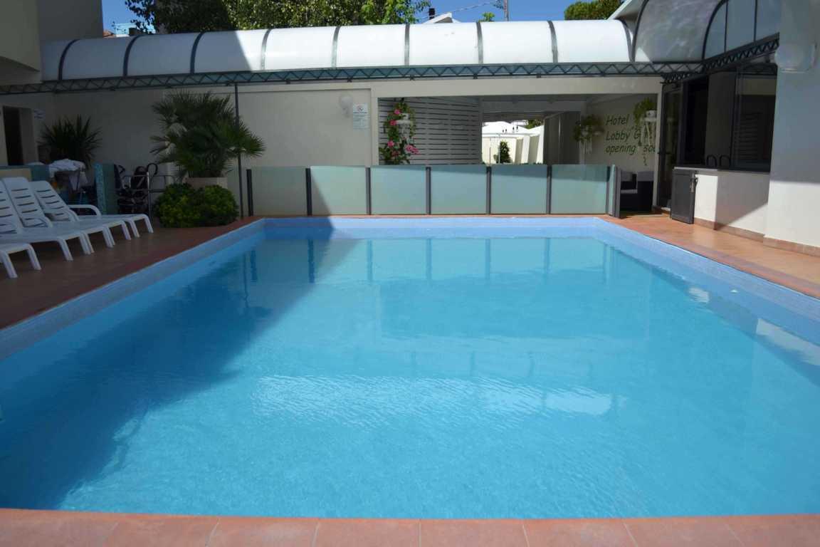 Hotel 3 stelle con piscina riccione hotel 3 stelle con for Piscina riccione